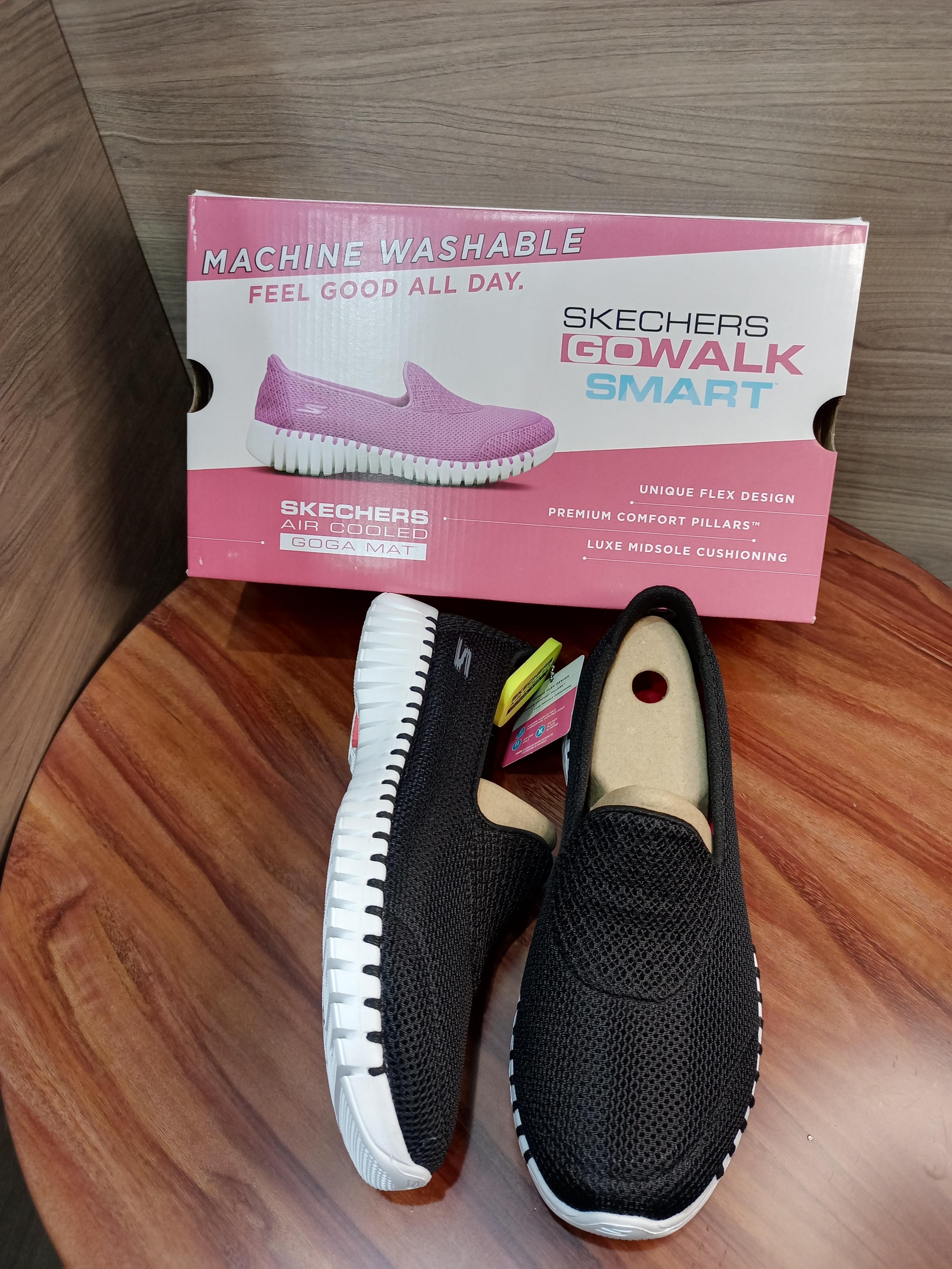 skechers shoes  16700